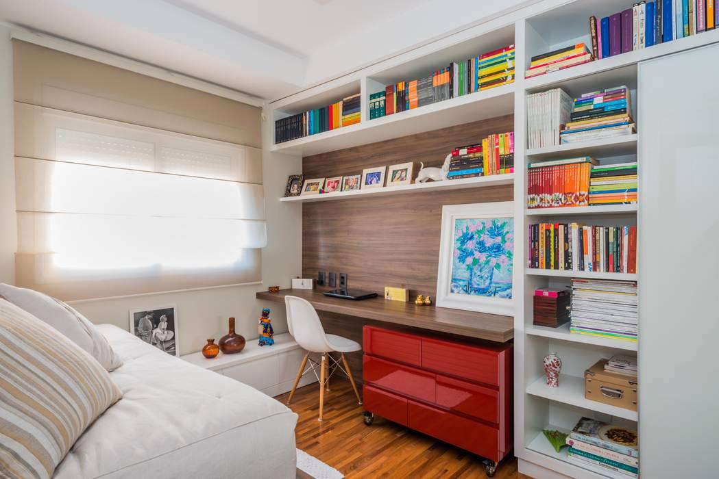 Phòng học/Văn phòng theo okna arquitetura, Hiện đại Gỗ Wood effect