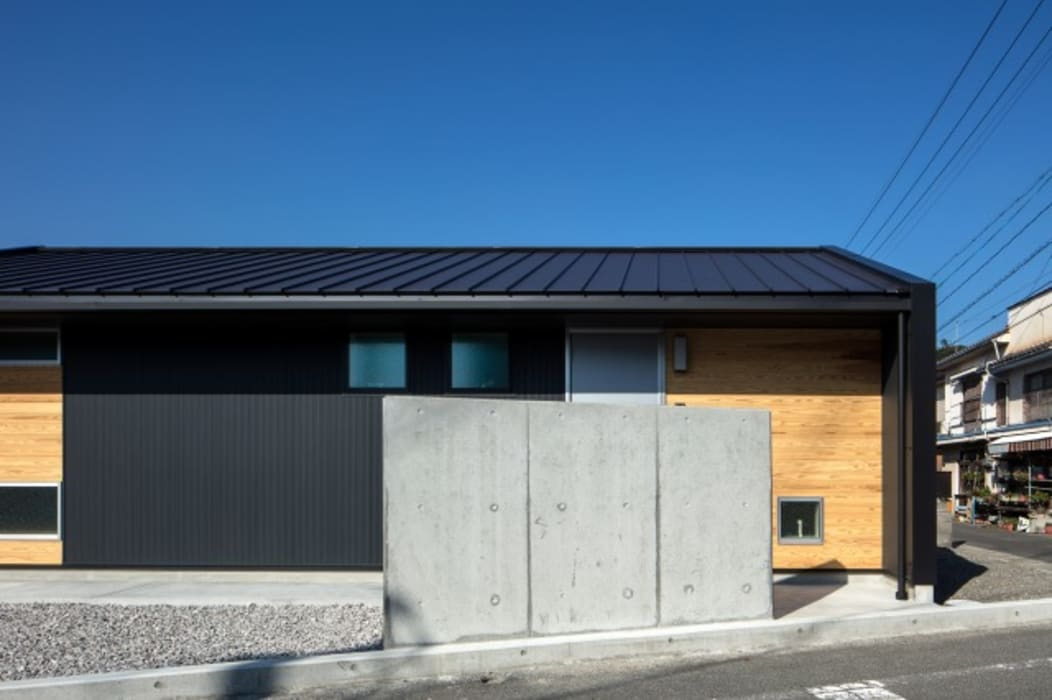 Modern home by アトリエセッテン一級建築士事務所 Modern