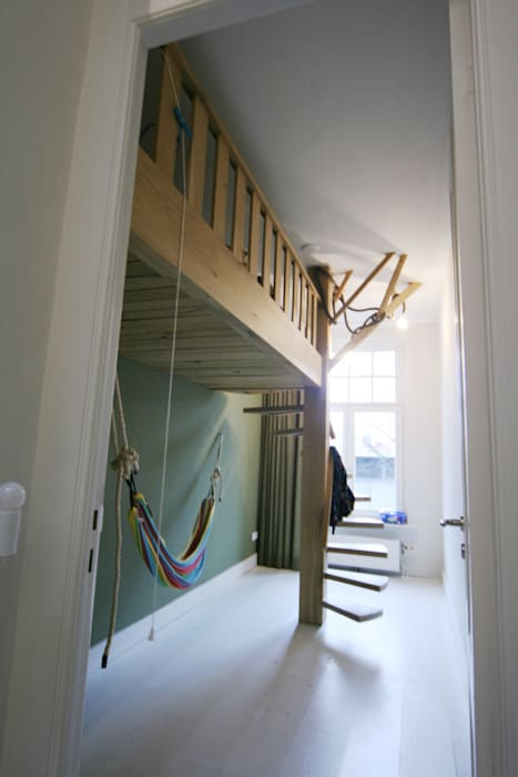Modern Kid's Room by YBB Architecture Amsterdam Modern