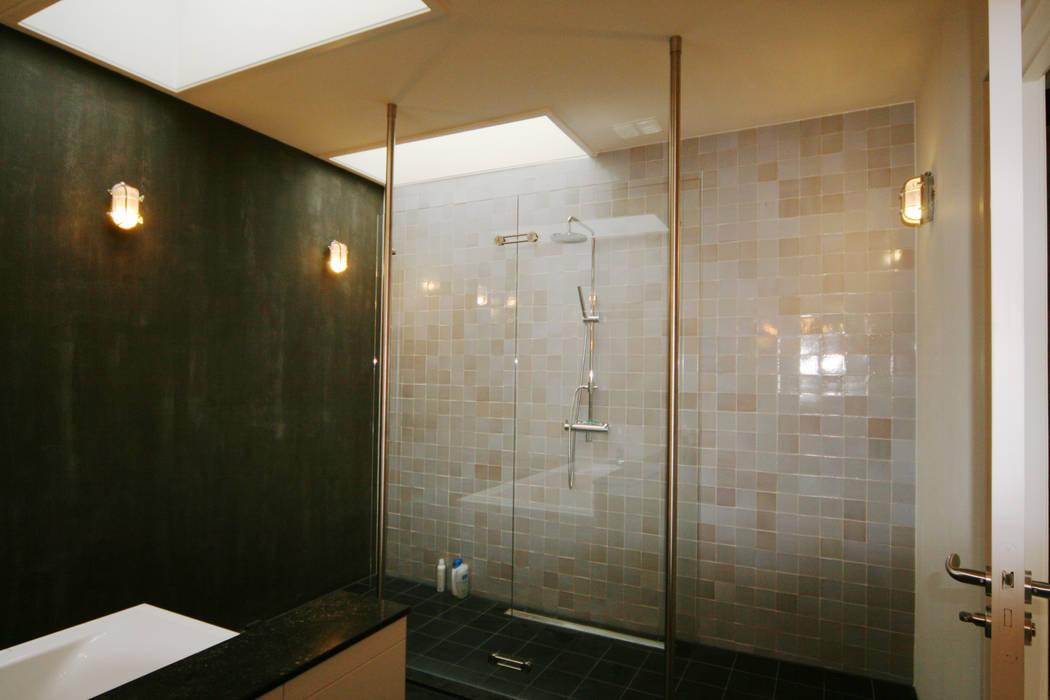 Modern Bathroom by YBB Architecture Amsterdam Modern