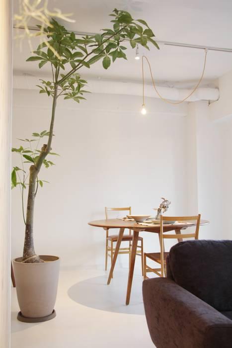 de estilo  por Mimasis Design/ミメイシス デザイン, Minimalista Madera Acabado en madera