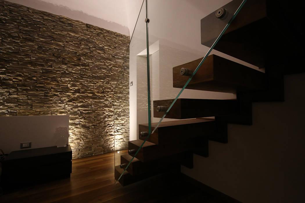Escaleras de estilo  por Studio di Segni