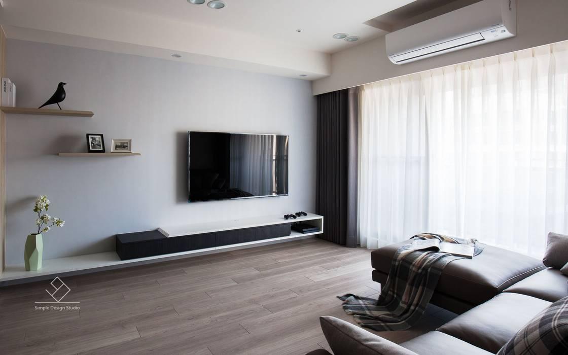 客廳電視牆:  客廳 by 極簡室內設計 Simple Design Studio