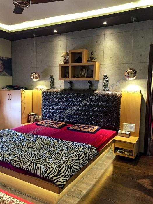 ห้องนอน โดย GREEN HAT STUDIO PVT LTD, ชนบทฝรั่ง
