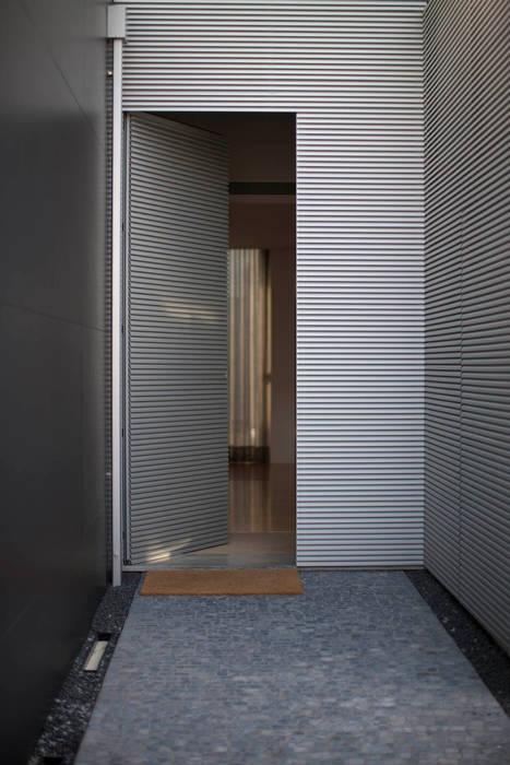 Vivenda em Famalicão - SHI Studio Interior Design por SHI Studio, Sheila Moura Azevedo Interior Design Moderno