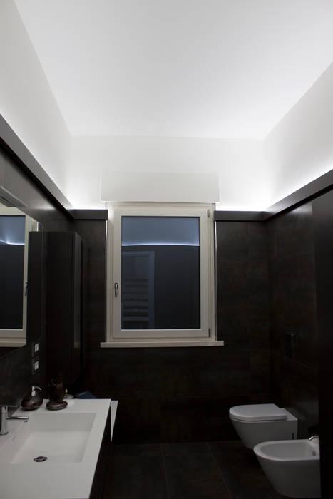 bagno: Bagno in stile in stile Minimalista di Giemmecontract srl.