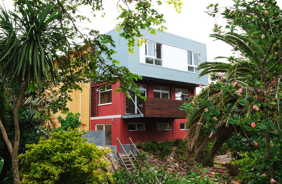 Rumah Modern Oleh The Matrix Urban Designers and Architects Modern