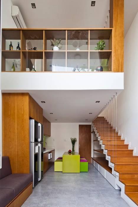 Thiết kế và hoàn thiện nội thất nhà phố đẹp:  Phòng khách by Công ty TNHH Xây Dựng TM – DV Song Phát