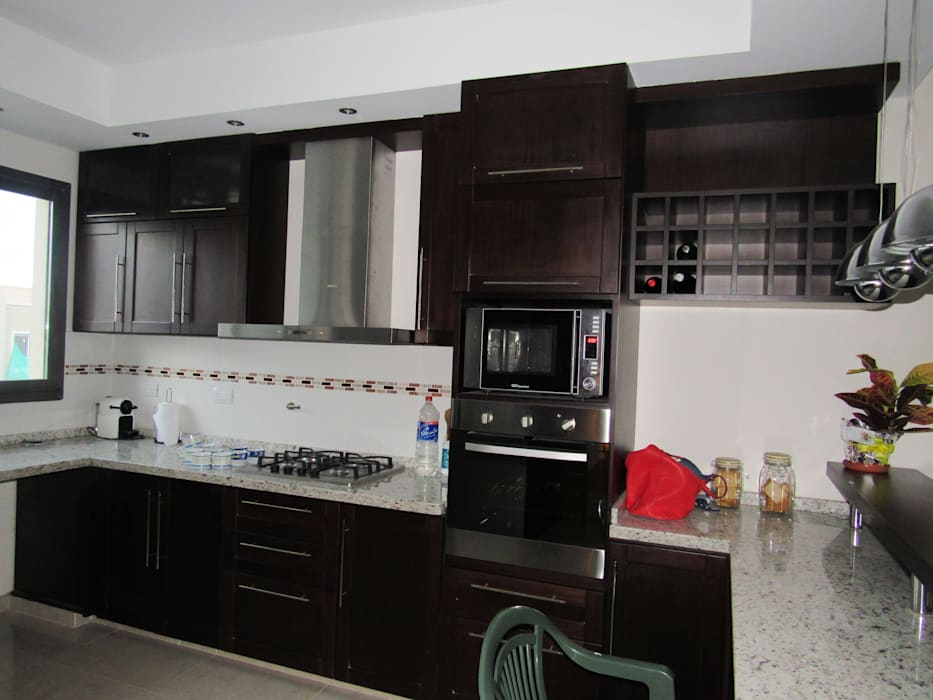 VIVIENDA EG: Muebles de cocinas de estilo  por BVS+GN ARQUITECTURA