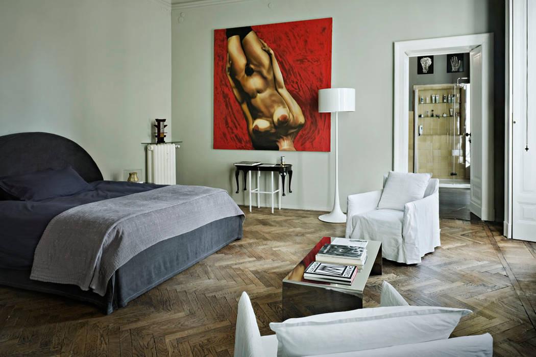Paolo Frello Project: Camera da letto in stile in stile Moderno di PAOLO FRELLO & PARTNERS