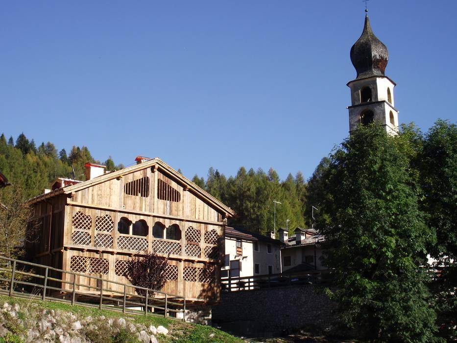 Un fienile recuperato - DOPO: Casa di legno in stile  di Woodbau Srl