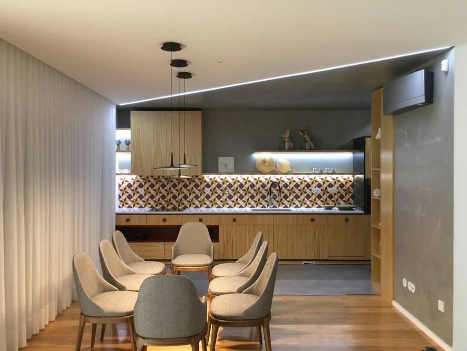 Traços Interiores Dining roomLighting Aluminium/Zinc Black