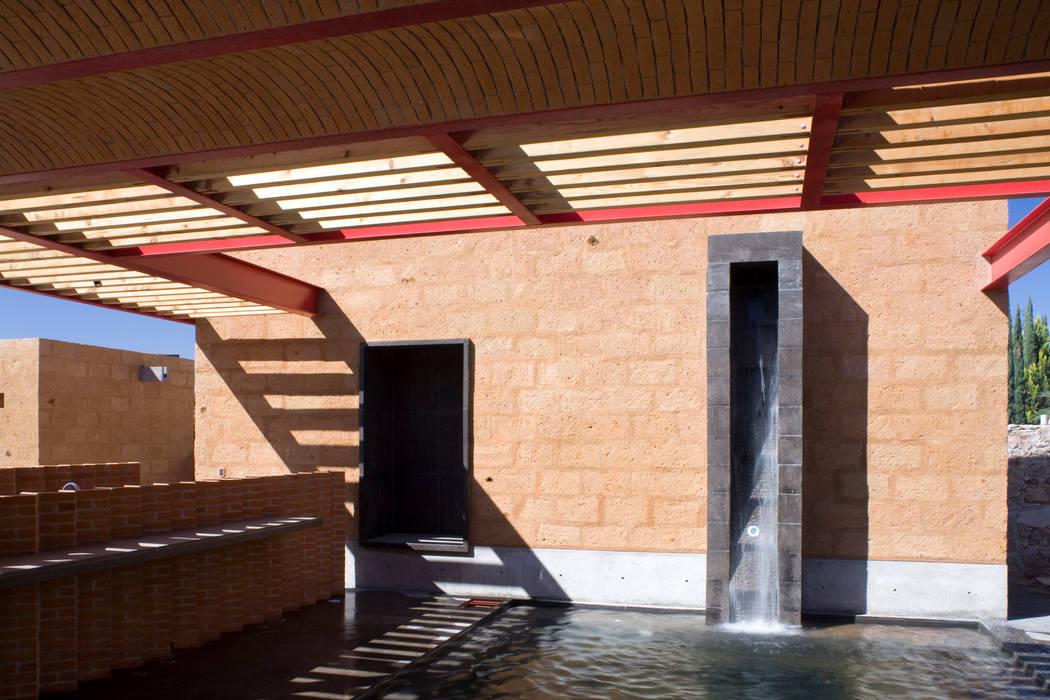 Kolam taman by Eduardo Gutiérrez Taller de Arquitectura