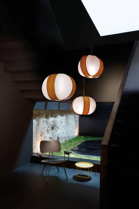 Lámparas suspendidas: Hogar de estilo  de Luxiform Iluminación