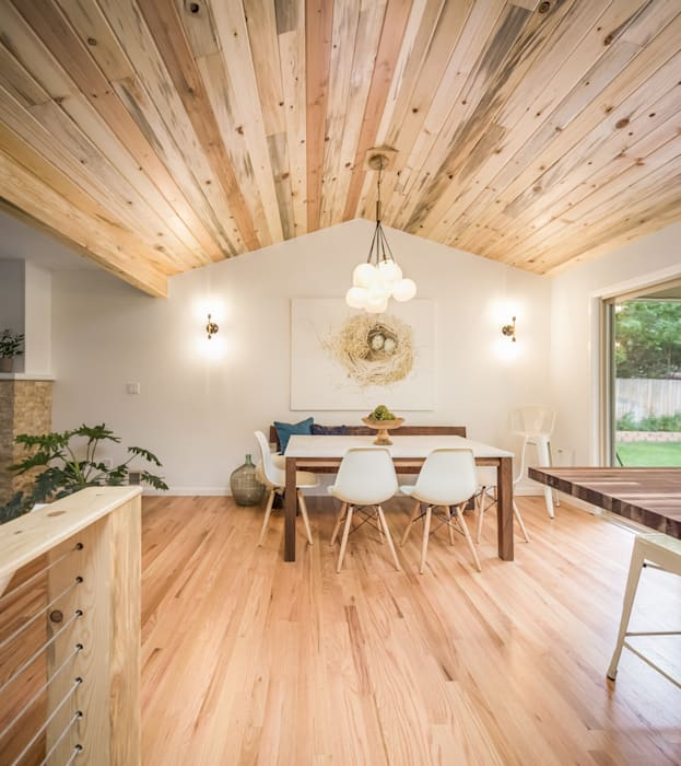 Renovated Ranch Kitchen as seen on HGTV:   by Laura Medicus Interiors