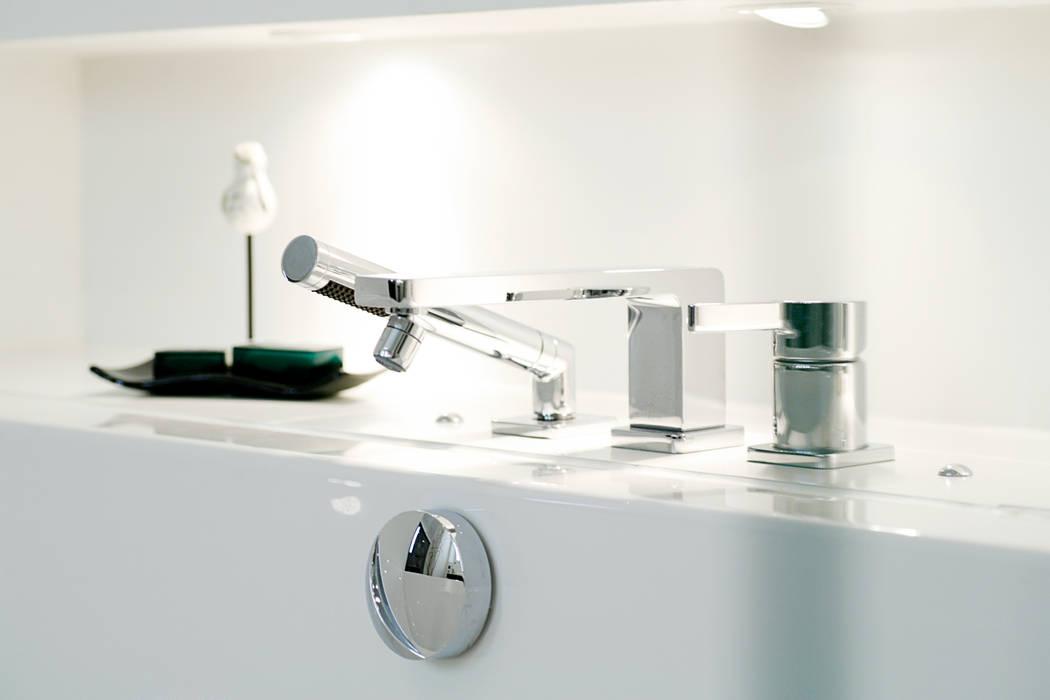 Indirekte beleuchtung für die badewanne moderne badezimmer ...