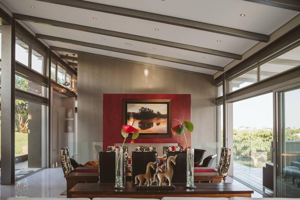 House BellaVida, Salt Rock, South Africa  :  Living room by Hugo Hamity Architects