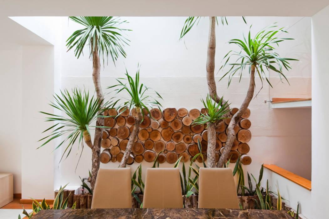 Dining room by Công ty TNHH Xây Dựng TM – DV Song Phát, Modern