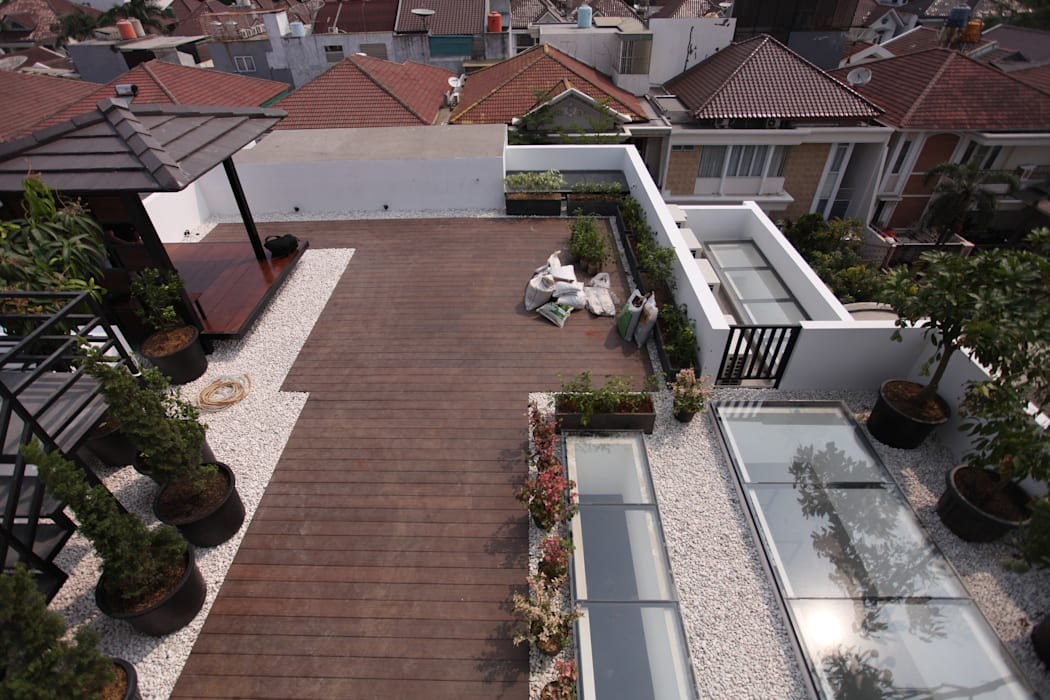 Rooftop 3: Atap oleh ARAT Design,