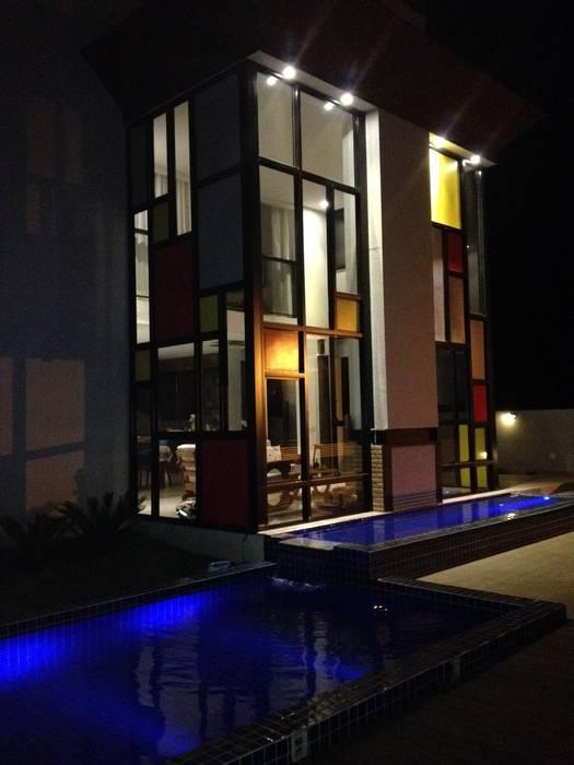 Residência Condomínio Alvim - Fachada Hérmanes Abreu Arquitetura Ltda Casas pré-fabricadas