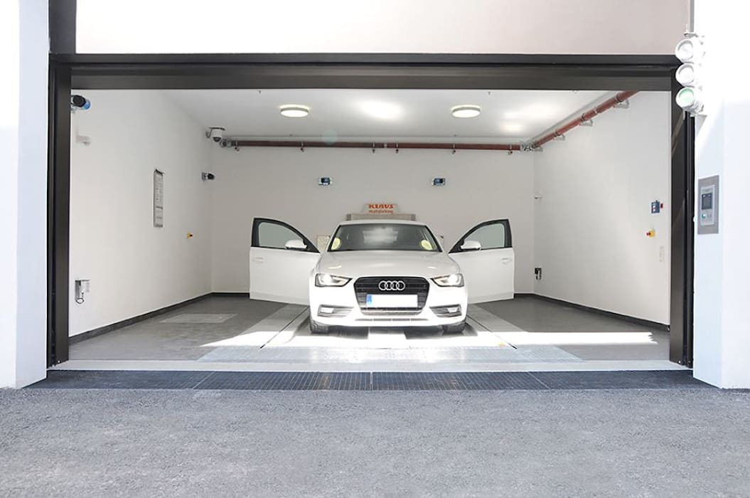 Garage / Hangar de style  par KLAUS MULTIPARKING COLOMBIA