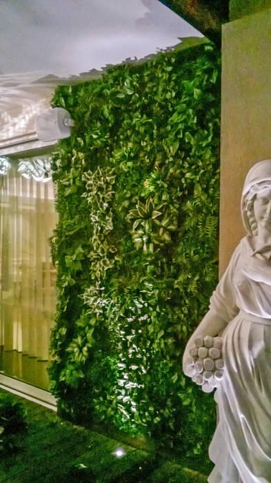Victorian Garden decor at Magnolias:  Floors by Grecor,Modern