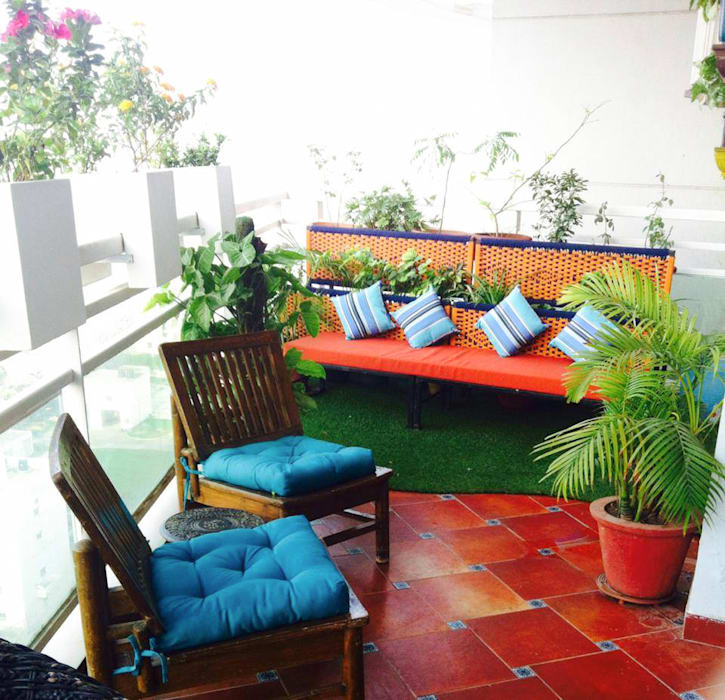 Balcony Garden in DLF 5, Gurugram:  Floors by Grecor,Modern