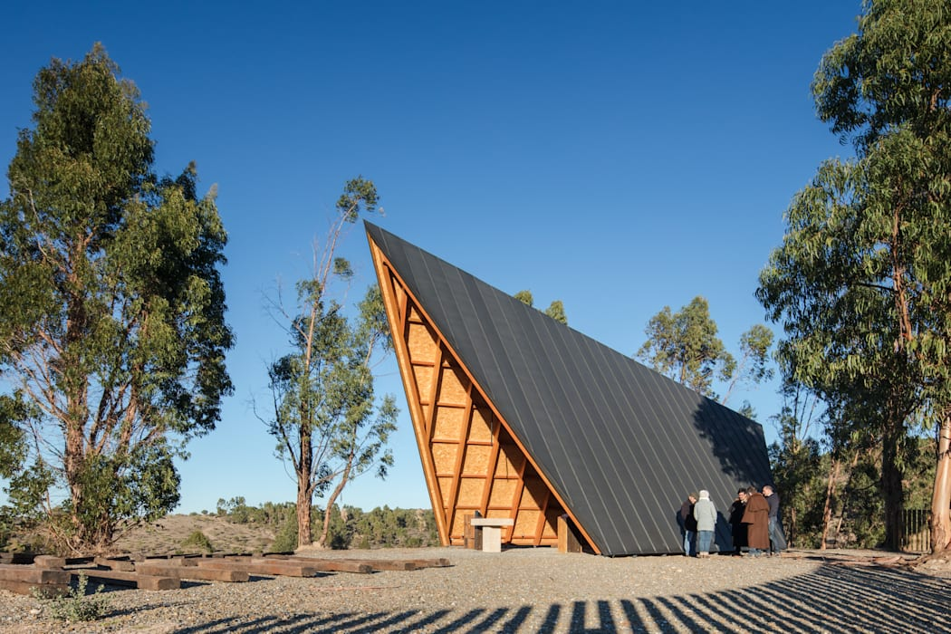 Gable roof by Plano Humano Arquitectos,