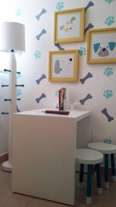 Habitación de niños con tema de perritos , huesos y huellas loop-d Habitaciones infantilesAccesorios y decoración