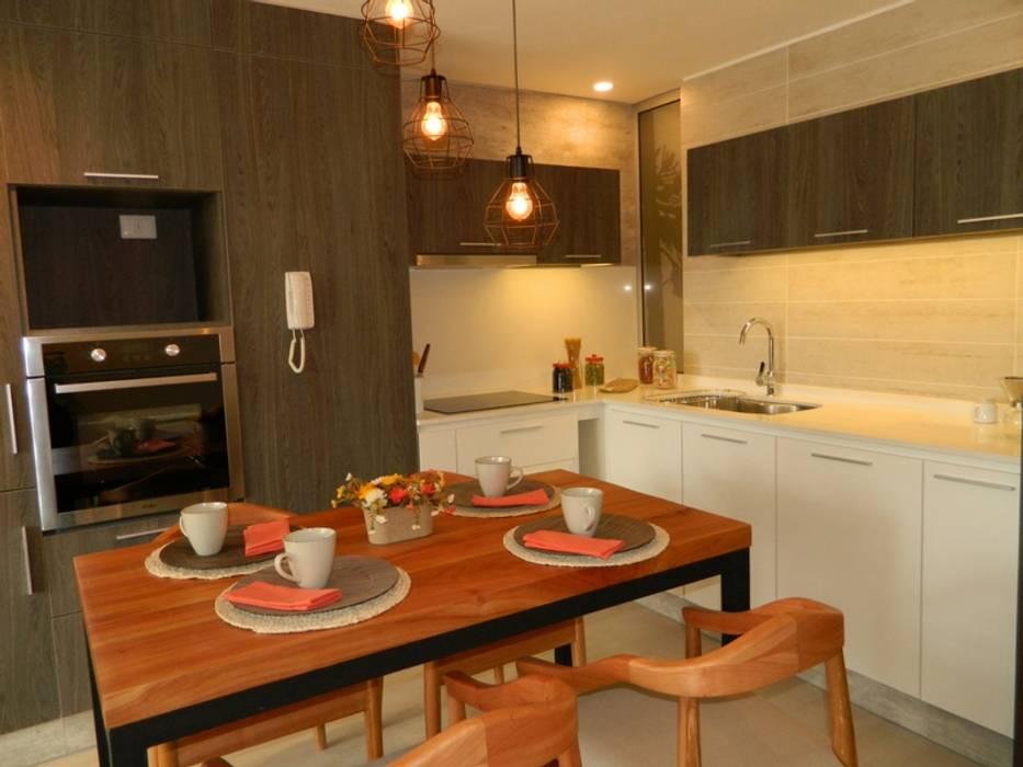 Rustic style dining room by DDO Diseño Rustic Wood Wood effect