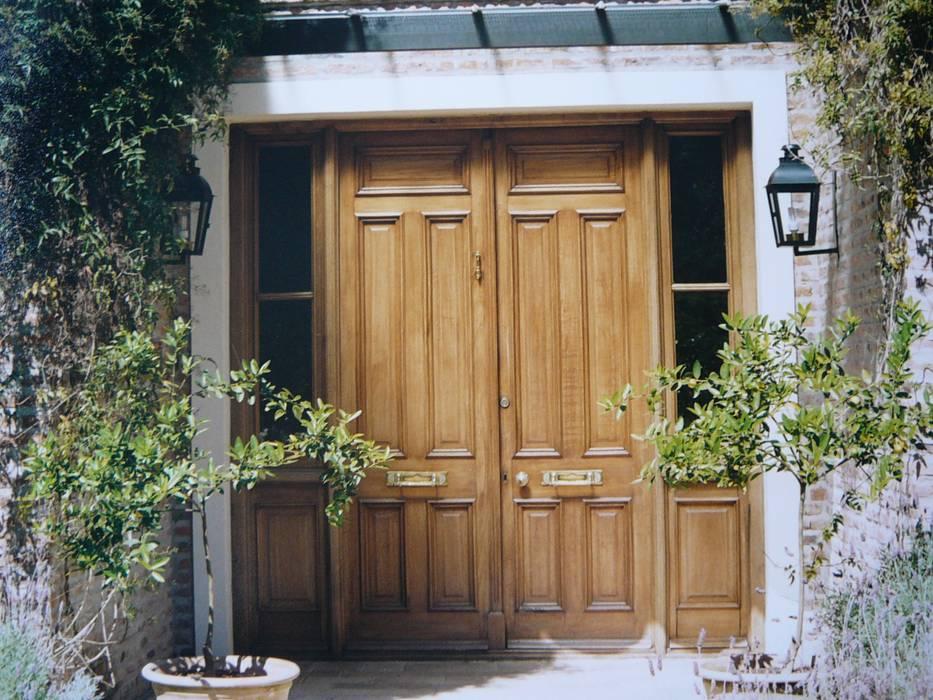 Houten deuren door Estudio Dillon Terzaghi Arquitectura - Pilar