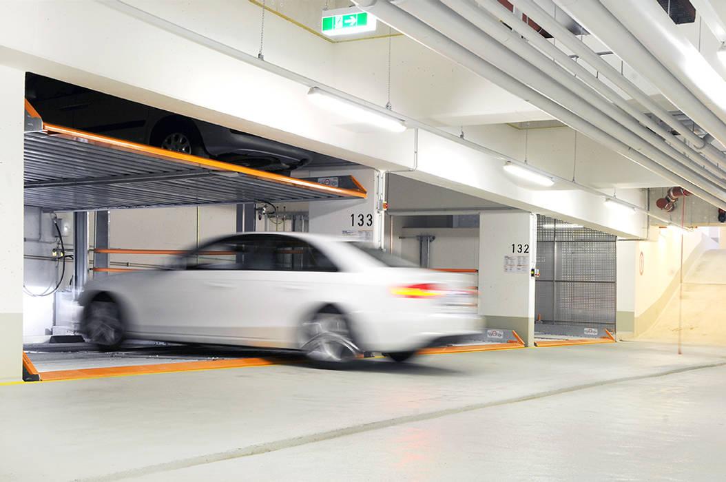MultiBase 2072 en Munich, Alemania,2013 Garajes de estilo moderno de KLAUS MULTIPARKING COLOMBIA Moderno