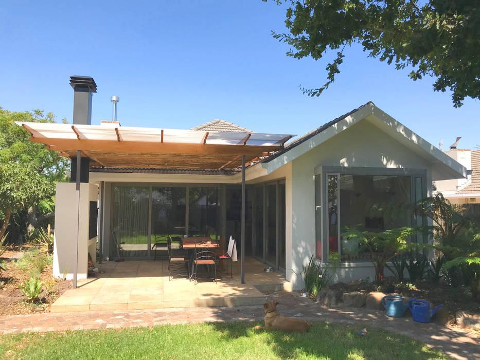 Garden elevation 1:  Patios by Till Manecke:Architect