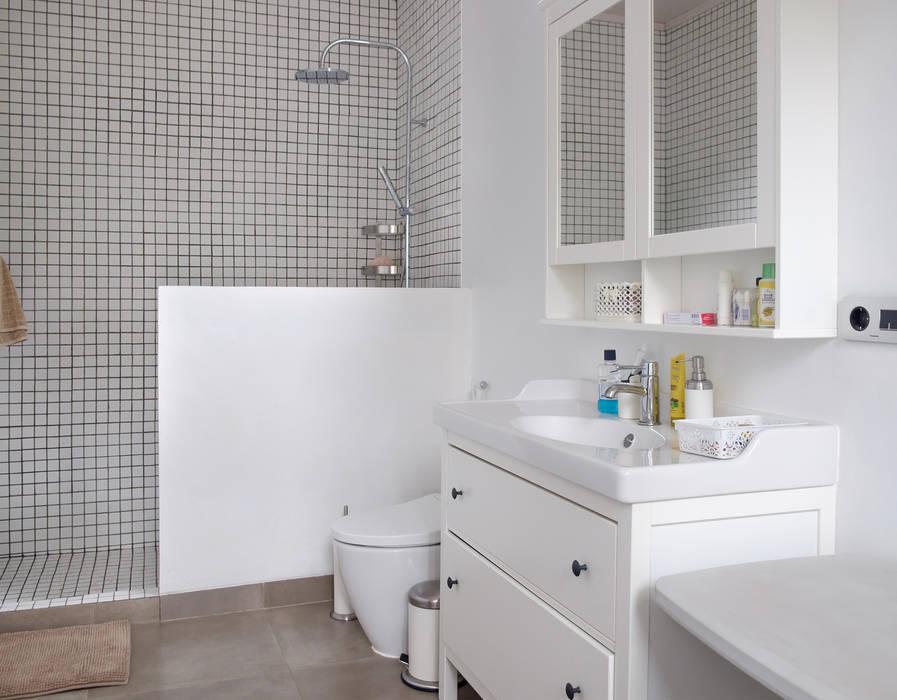 Bathroom // i45 House Kamar Mandi Modern Oleh homify Modern