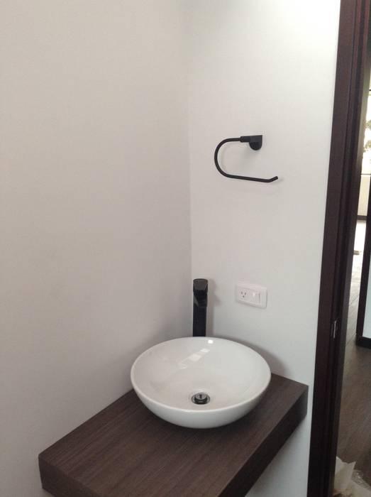 AMR estudio Minimalist style bathroom