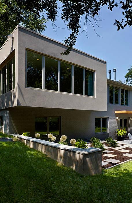 Rumah Modern Oleh KUBE Architecture Modern