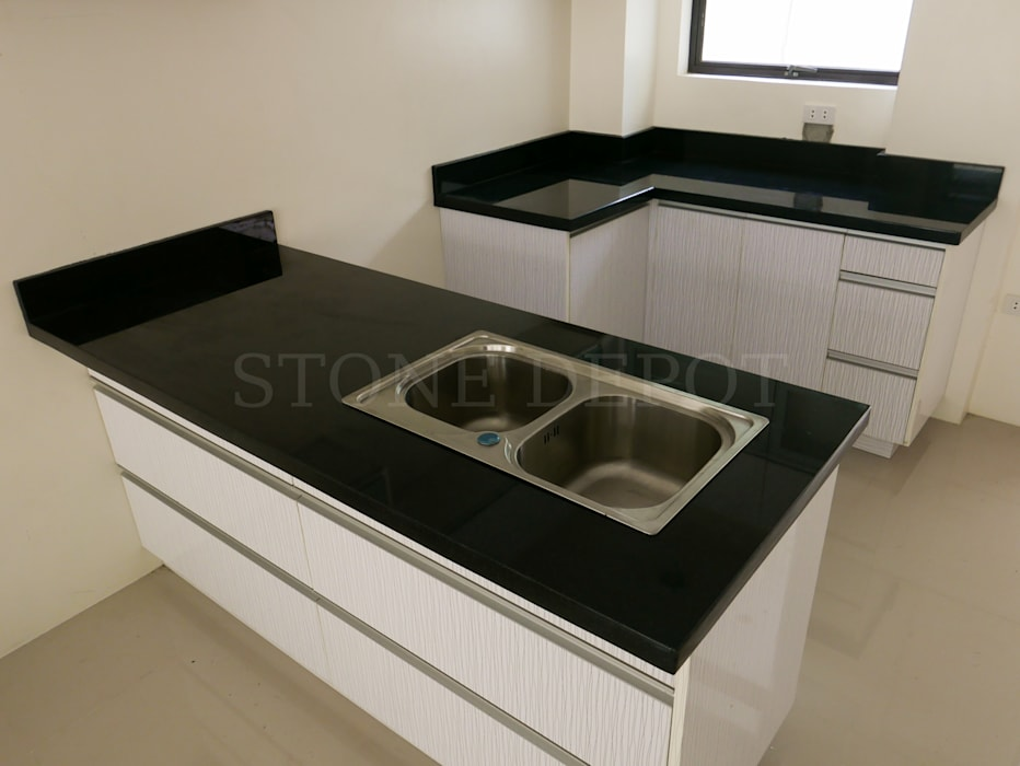 Absolute Black Granite Kitchen Countertop in Greenhills Subdivision, Mandaue City:  Kitchen by Stone Depot