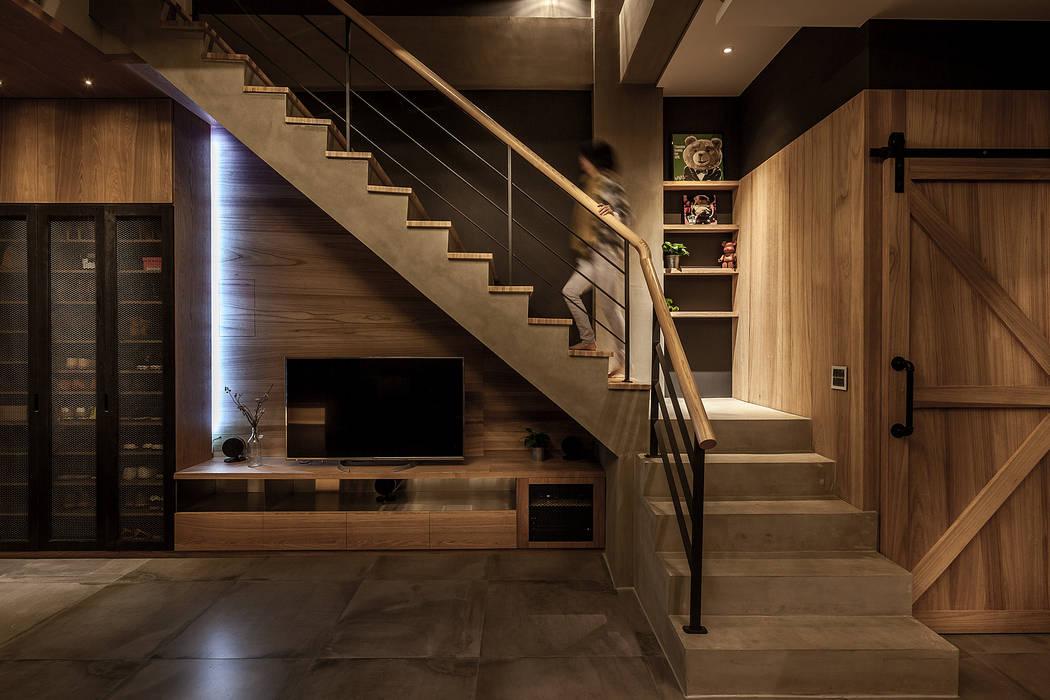 Modern Living Room by 漢玥室內設計 Modern Marble