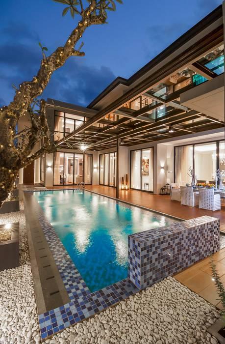 PRIVATE RESIDENTIAL @ NAVAPARK, BSD CITY, TANGERANG, INDONESIA: Kolam Renang oleh PT. Dekorasi Hunian Indonesia (DHI), Modern