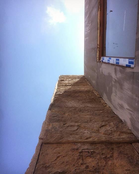 Proceso Instalación Piedra Reconstituida Construcción Vivienda Premium 115m2 Fundo Loreto. de Territorio Arquitectura y Construccion - La Serena Moderno Compuestos de madera y plástico