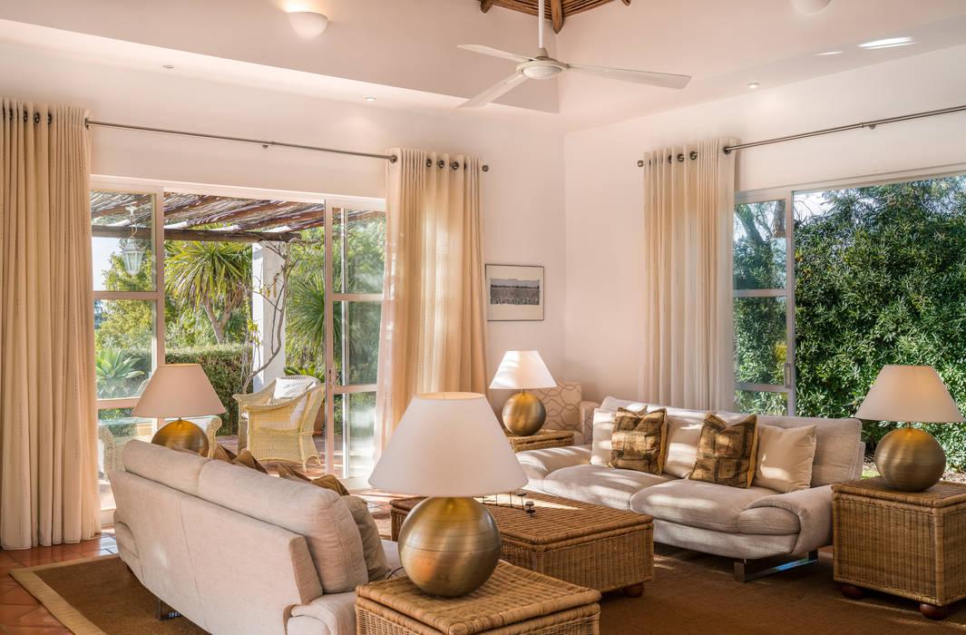 Sala de estar: Salas de estar  por Zenaida Lima Fotografia ,Campestre