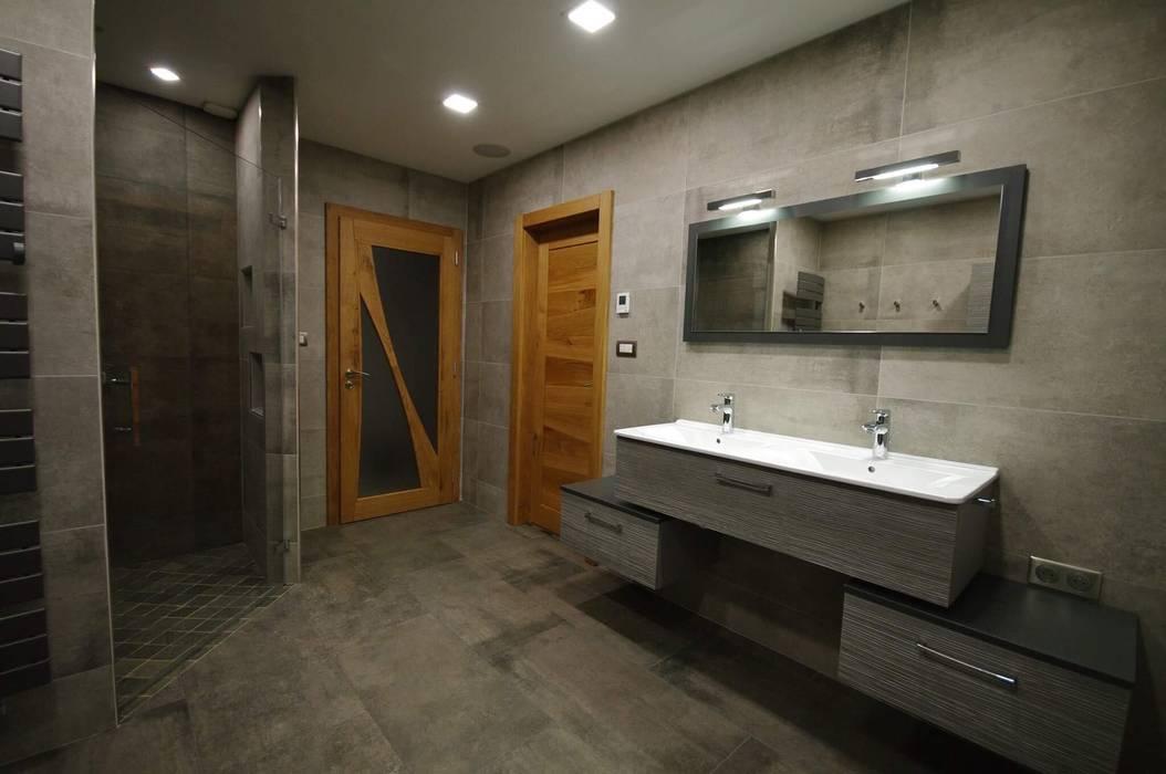 Salle d\'eau spacieuse - douche italienne avec robinetterie encastrée ...