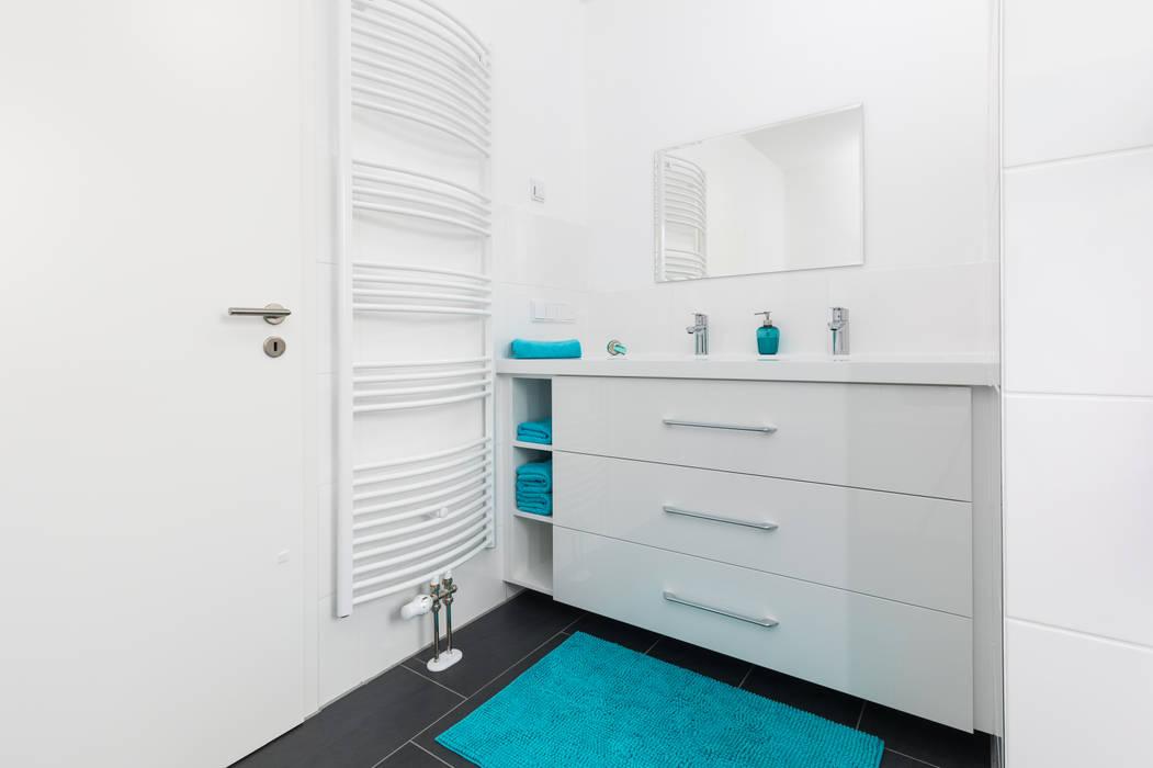 Waschtischunterschränke: modern von asada schiebetüren und ...