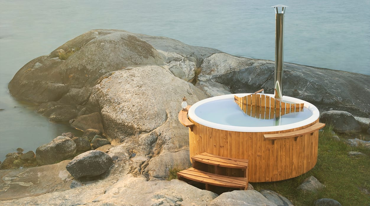Discover a traditional wood-fired hot tub by Skargards Hot Tubs UK Scandinavian