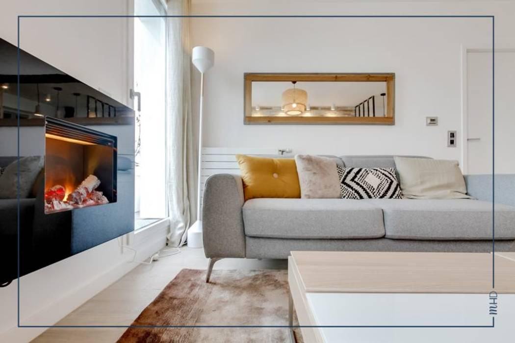 Un 63m2 en VEFA twisté à Paris: Salon de style de style Moderne par MY HOME DESIGN