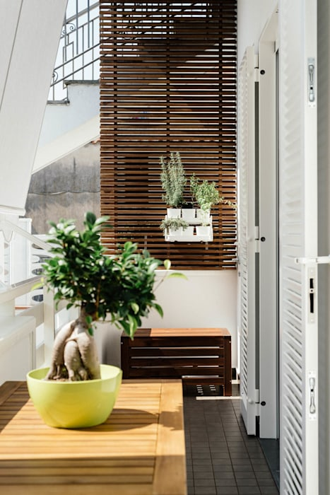Balcone: Giardino in stile in stile Moderno di manuarino architettura design comunicazione