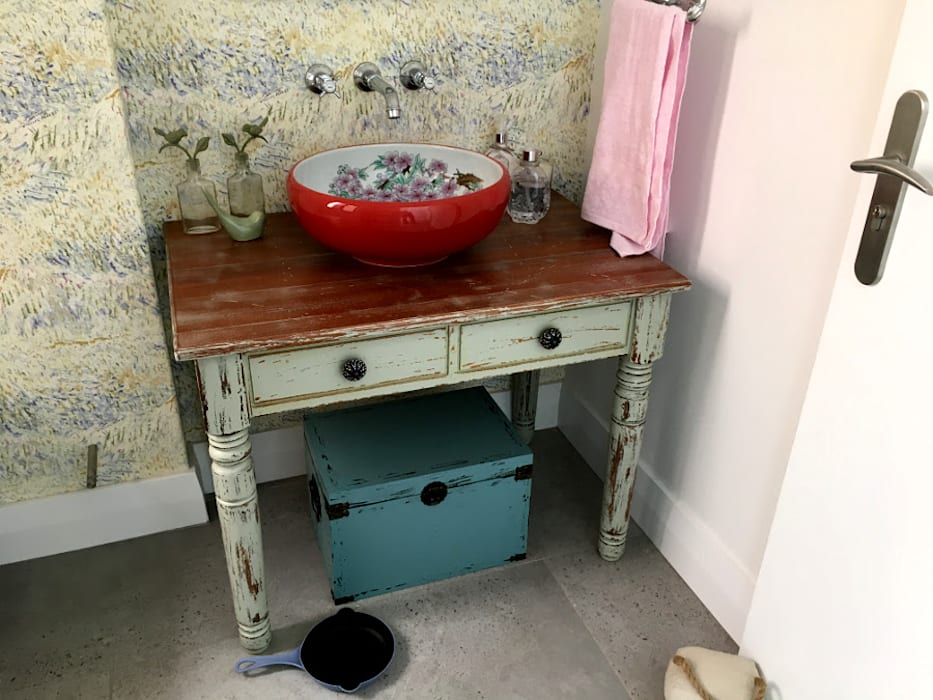 Vanity table Rustic style bathroom by Nick and Nelly Kitchens Rustic Wood Wood effect