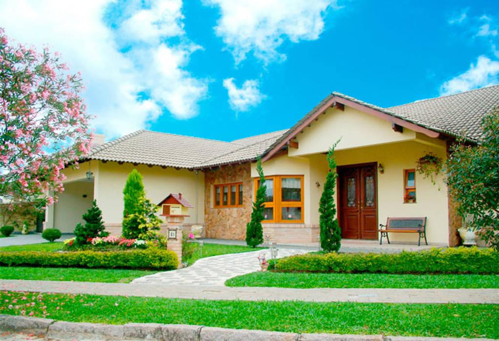 Residência em condomínio de alto padrão : Condomínios  por Grupo DH arquitetura