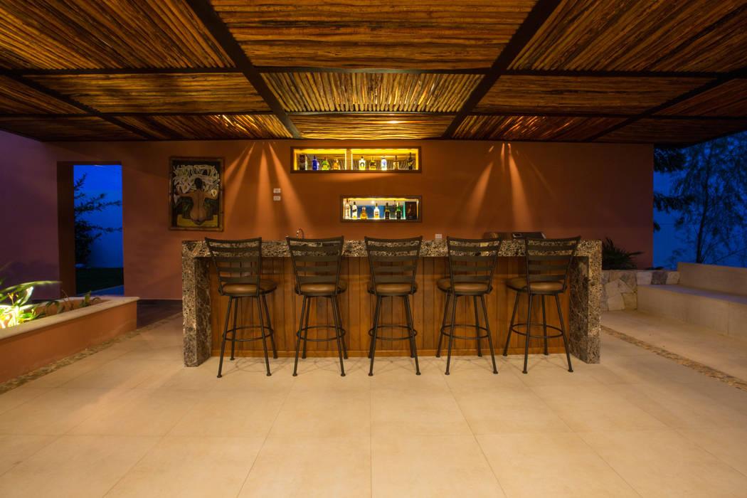 Bar de la Terraza Principal Bodegas modernas de Heftye Arquitectura Moderno Madera Acabado en madera