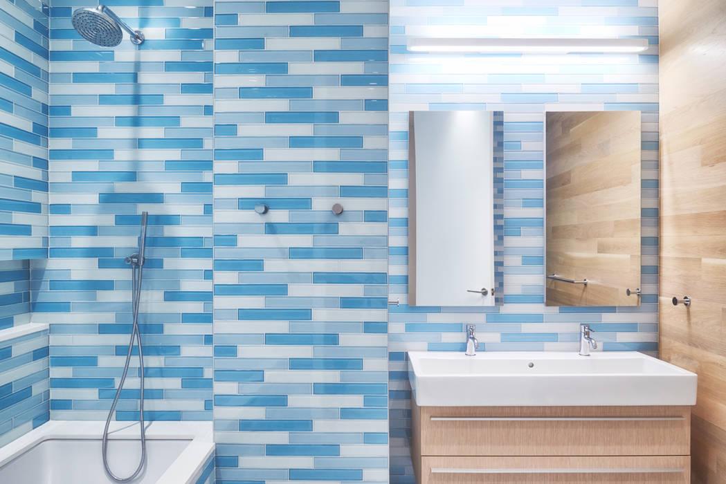 Phòng tắm phong cách hiện đại bởi Sarah Jefferys Design Hiện đại